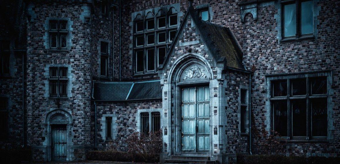 """Povestea Castelului """"Calendar"""", unic in lume prin arhitectura sa"""