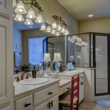 De ce tot mai multe persoane aleg să îşi instaleze cabine de duş din sticlă fără rame